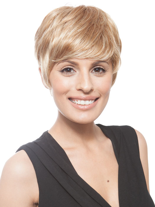 The longer bangs have layers so you can easily sweep them over | Color: GL15/26