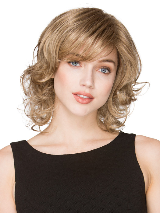 Mid-length wavy cut with a wispy bang   Color Sand Mix