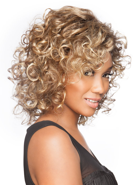 Soften the curl or enhance them using your fingers and styling products | Color: Bernstein Rooted