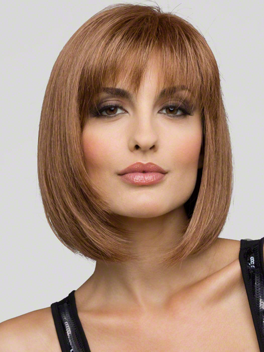Envy Wigs Carley : Color Light Brown (2 tone color with Light Golden brown and dark blonde highlights)