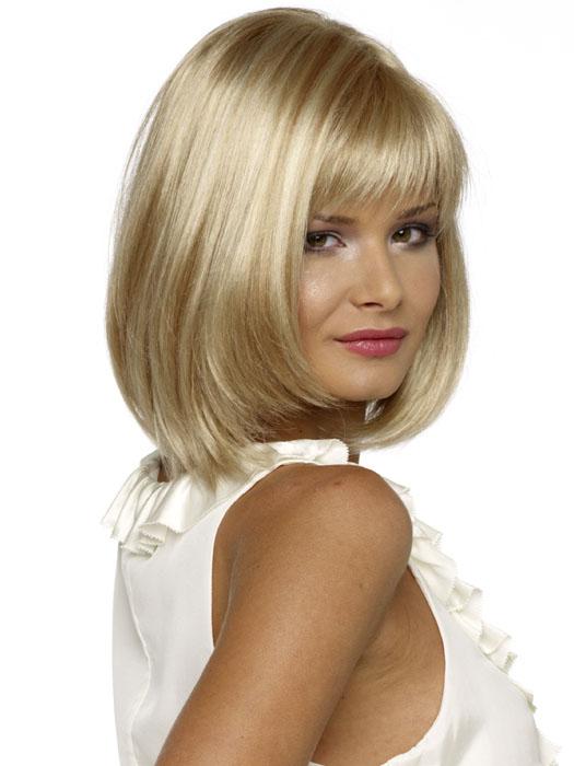 Envy Wigs Petite Paige Wig : Side View | Color Light-Blonde