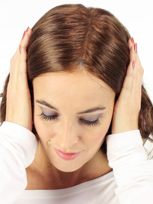 The hand-tied monofilament top gives the illusion of hair growth on top   Color: 6/33