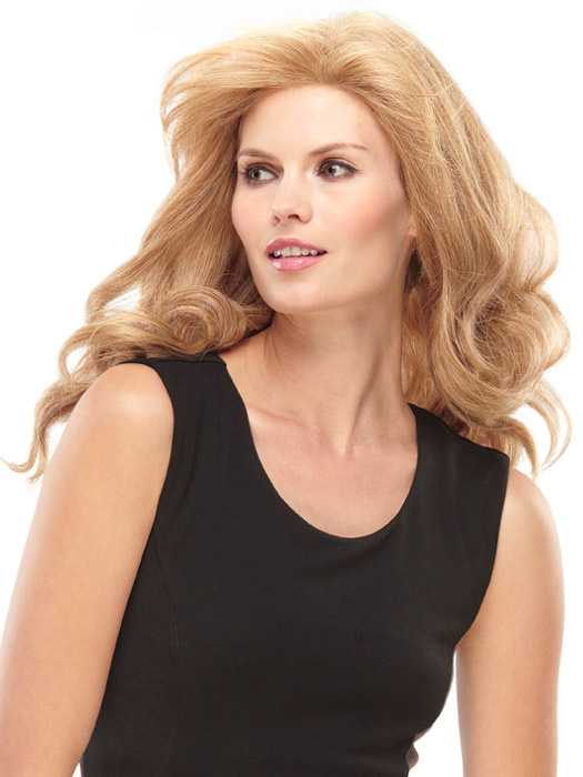 Jon Renau Angie: Color 14/26, natural wave is enhanced using a curling iron