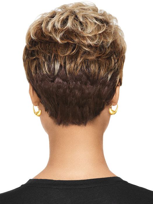 Tapered layers and a shorter neckline | Color: 3T/4/613