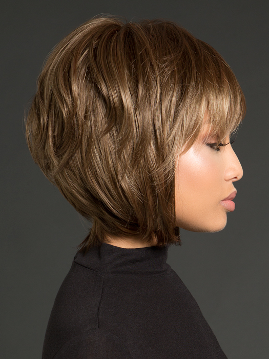Soft angle with shorter crown layers | Color: Honey Wheat
