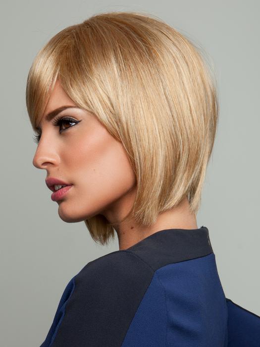 Color R25 - Ginger Blonde (Golden Blonde with subtle highlights)