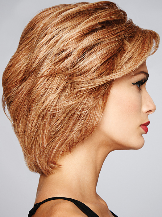 The full monofilament top gives a scalp-like appearance | Color: R29S+