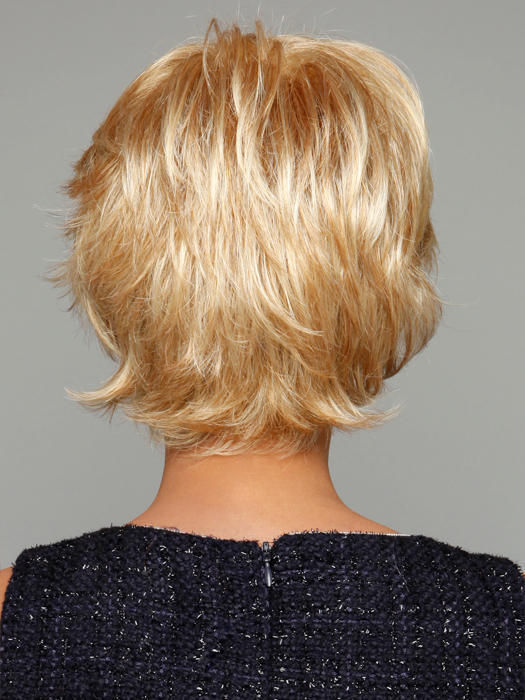Color R25 Ginger Blonde (Golden Blonde with subtle highlights)